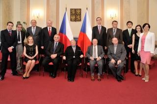 Pan Nerad se členy Etické komise a sekretariátu